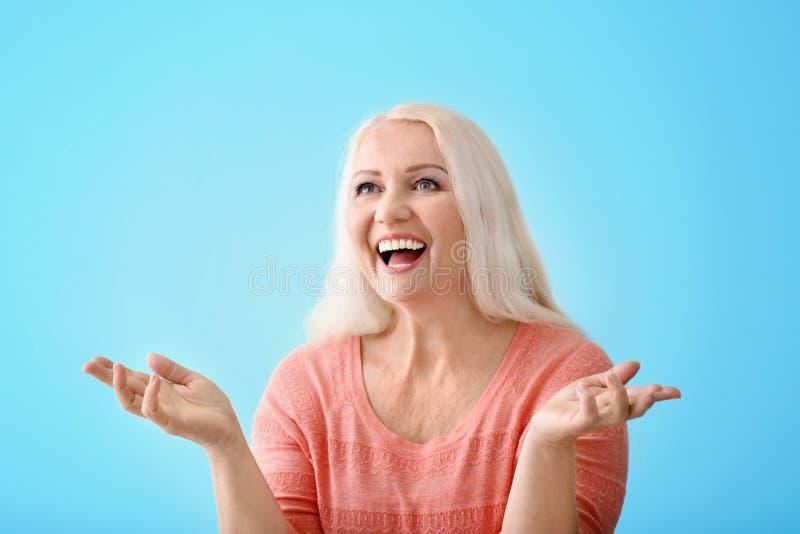Portret emocjonalna dojrzała kobieta obrazy stock