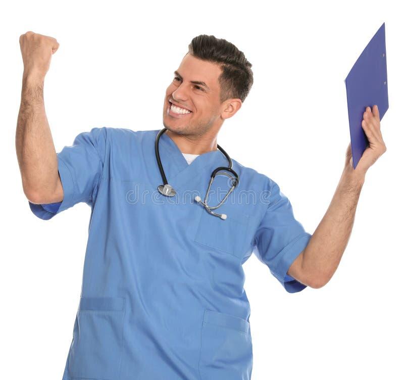 Portret emocjonalny lekarz medycyny z schowkiem i stetoskopem odizolowywającymi fotografia royalty free