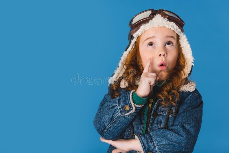 portret emocjonalny uroczy preteen dzieciak w pilotowym kostiumu obrazy royalty free