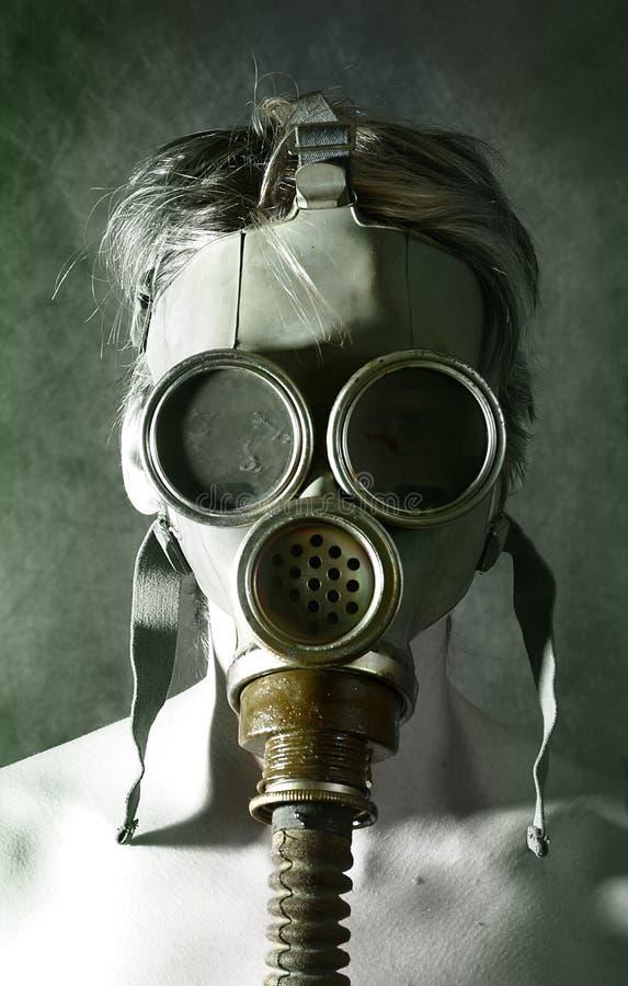 Portret in gasmasker stock afbeeldingen