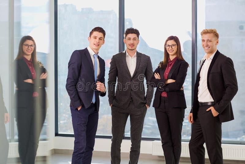 Portret grupa biznesmeni Biznes drużyna w offic fotografia royalty free