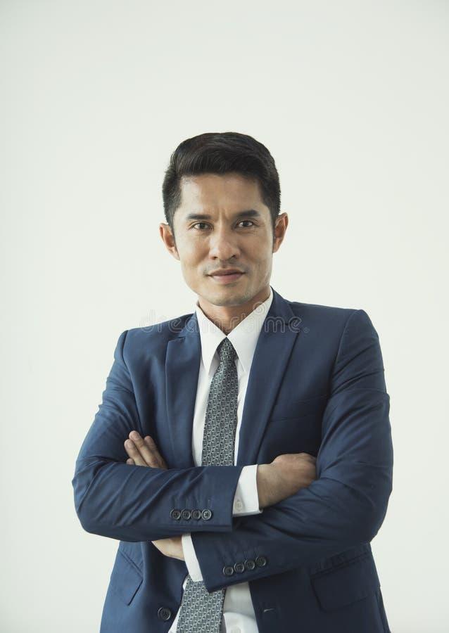 Portret het jonge Aziatische zakenman knappe kijken stock afbeelding