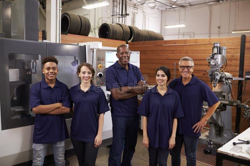 Portret inżyniery I aplikanci Z CNC maszyną zdjęcia royalty free