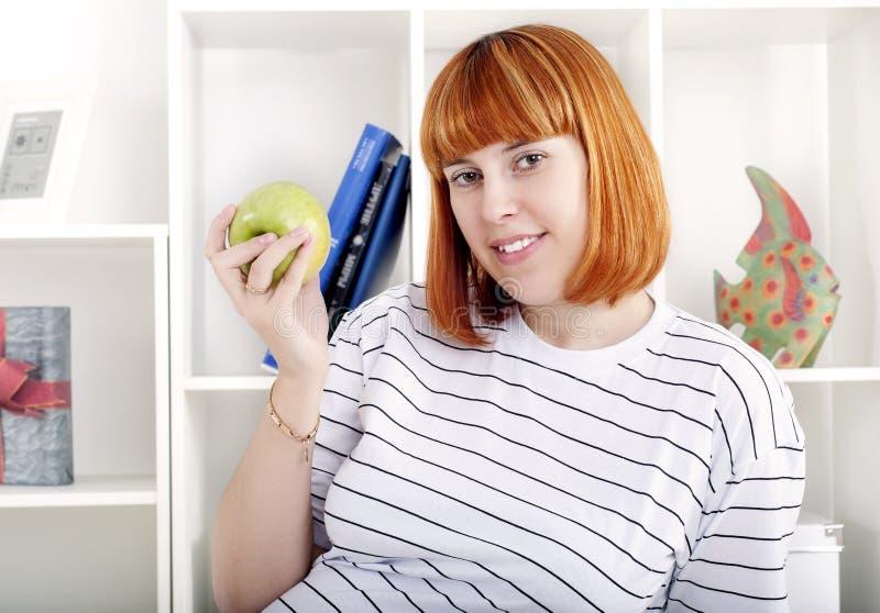 portret jabłczana kobieta zdjęcia stock