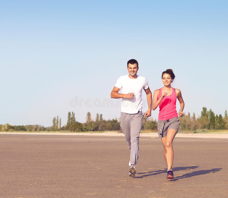 Portret jogging outside para zdjęcie stock