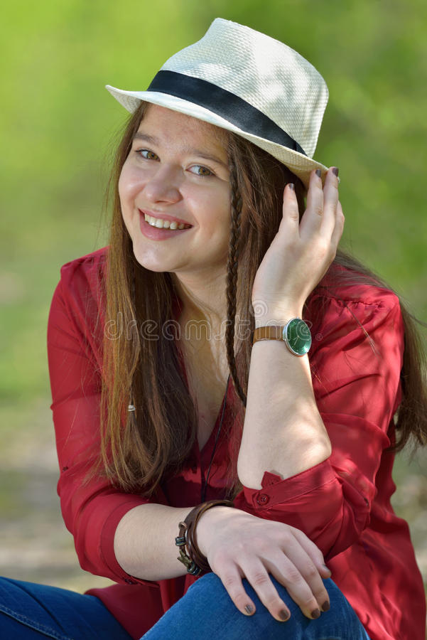 Portret jong meisje royalty-vrije stock afbeeldingen
