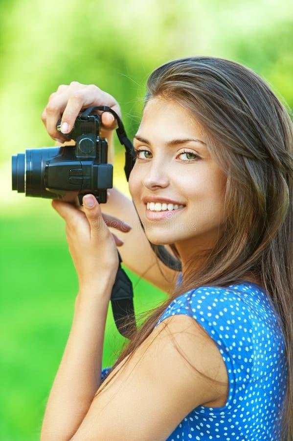 Portret jonge charmante vrouw royalty-vrije stock afbeeldingen