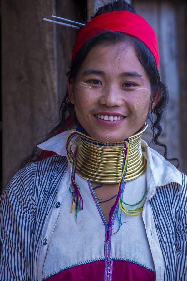 Portret Kayan plemienia kobieta w Myanmar zdjęcia stock