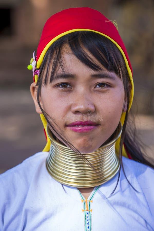 Portret Kayan plemienia kobieta w Myanmar zdjęcie royalty free