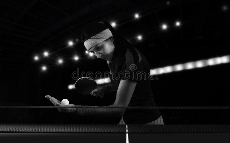 Portret kobieta bawić się śwista pong zdjęcia stock