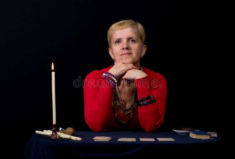 Portret kobieta - wróżbiarka obraz stock