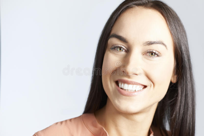 Portret kobieta Z Pięknym uśmiechem obrazy royalty free