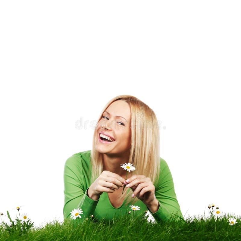 Portret kobieta z stokrotkami obraz stock