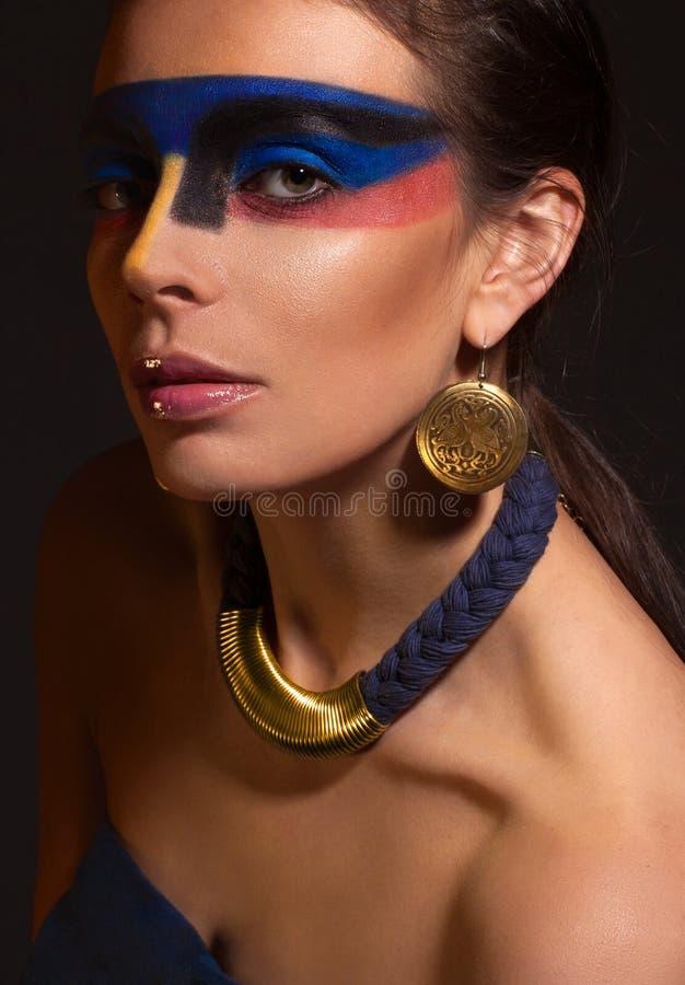 Portret kobieta z sztuka makijażem fotografia royalty free