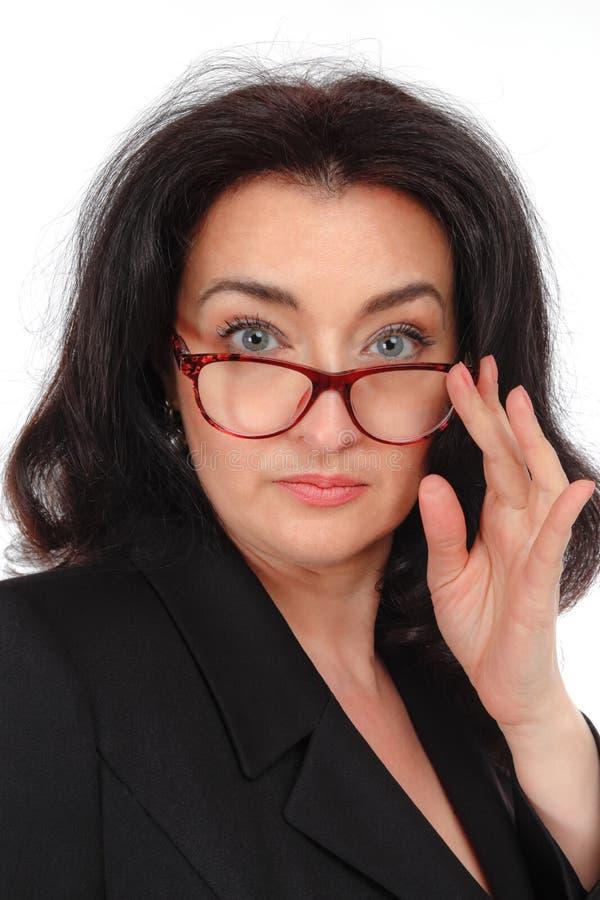 Portret kobiety w czarnym apartamencie na białym tle Biznesowa dama, nauczyciel, przedsiębiorca obraz stock