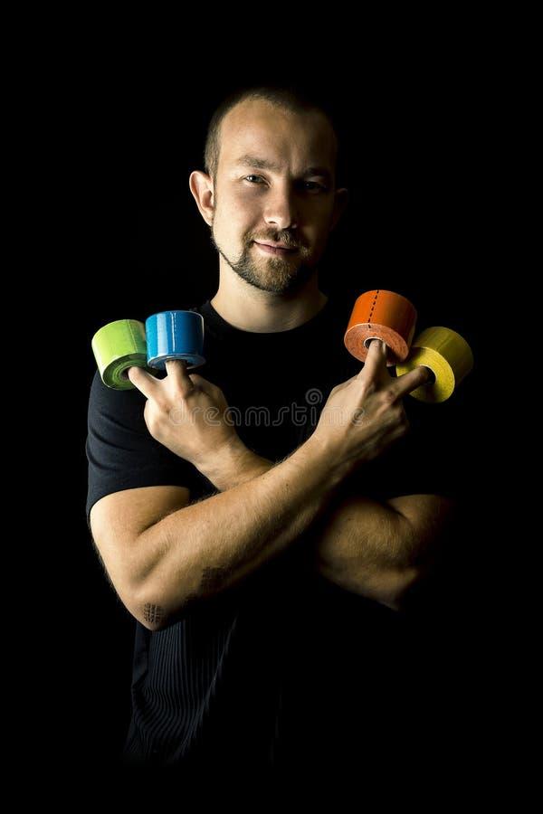 Portret młody i atrakcyjny mężczyzna, physiotherapist z mnóstwo medycznymi taśmami zdjęcie royalty free