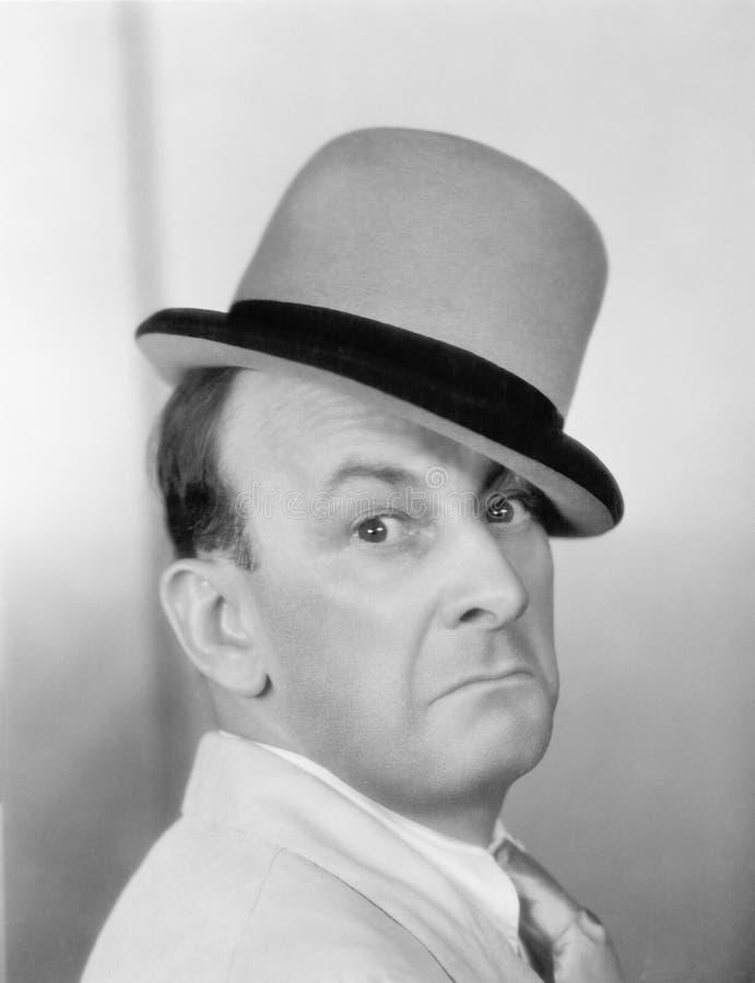 Portret mężczyzna z dęciaka kapeluszem (Wszystkie persons przedstawiający no są długiego utrzymania i żadny nieruchomość istnieje zdjęcia royalty free