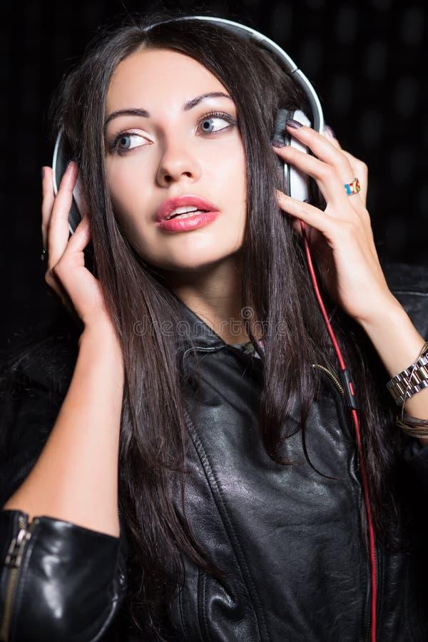 Portret młoda brunetka zdjęcia royalty free