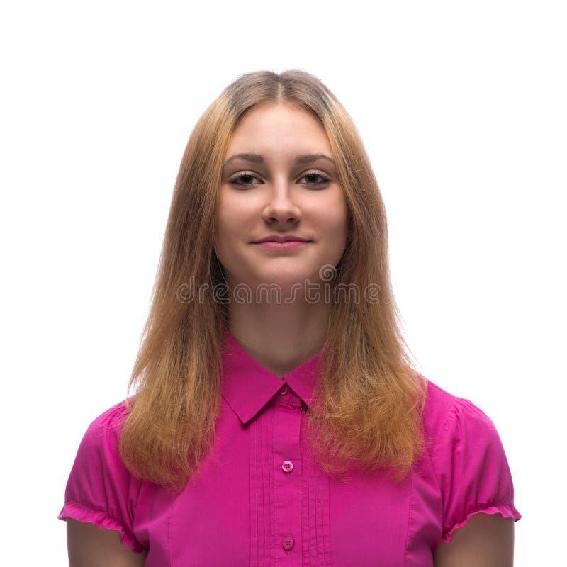 Portret młoda nastoletnia dziewczyna w czerwonej sukni w studiu zdjęcia royalty free