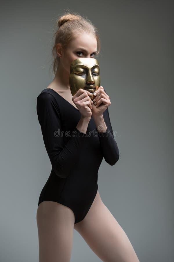Portret młoda pełen wdzięku balerina z a obraz royalty free