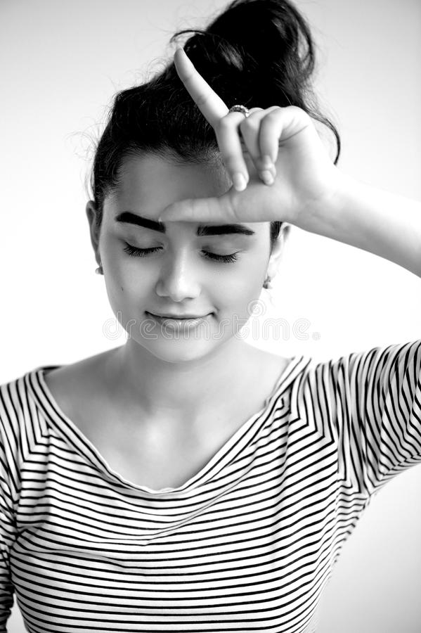 Portret młoda piękna dziewczyna z brązu czarni włosy i oczami Naturalny piękno z czystą rozjarzoną skórą, , Czarny i biały fotografia stock