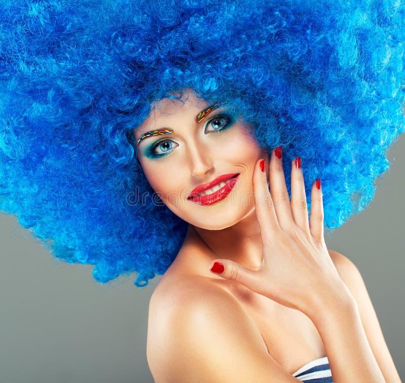 Portret młoda piękna dziewczyna z jaskrawym makeup fotografia stock