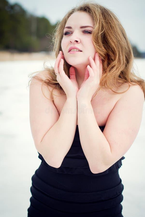 Portret młoda piękna kobieta fotografia royalty free