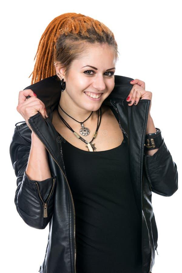 Portret młoda uśmiechnięta kobieta z dreadlocks fotografia royalty free