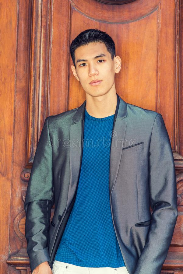Portret Młody Azjatycki Amerykański Biznesowy mężczyzna w Nowy Jork zdjęcia stock