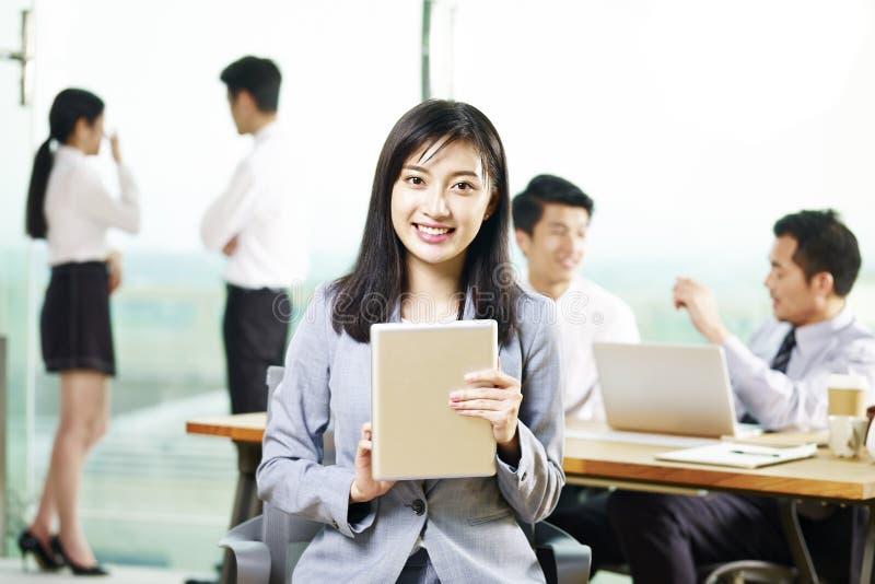 Portret młody azjatykci bizneswoman obrazy royalty free