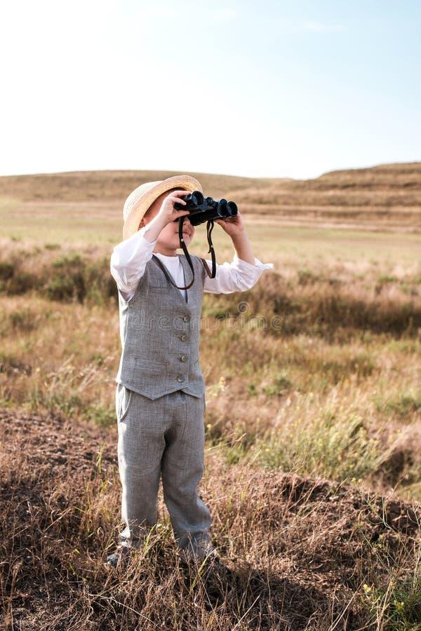 Portret młody natura badacz w retro stylu zdjęcia stock