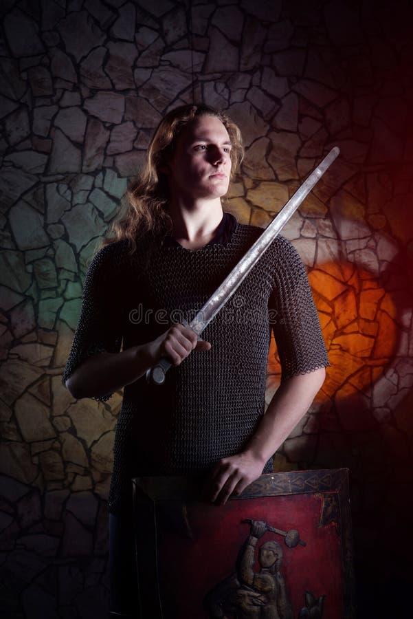 Portret młody rycerz obrazy stock