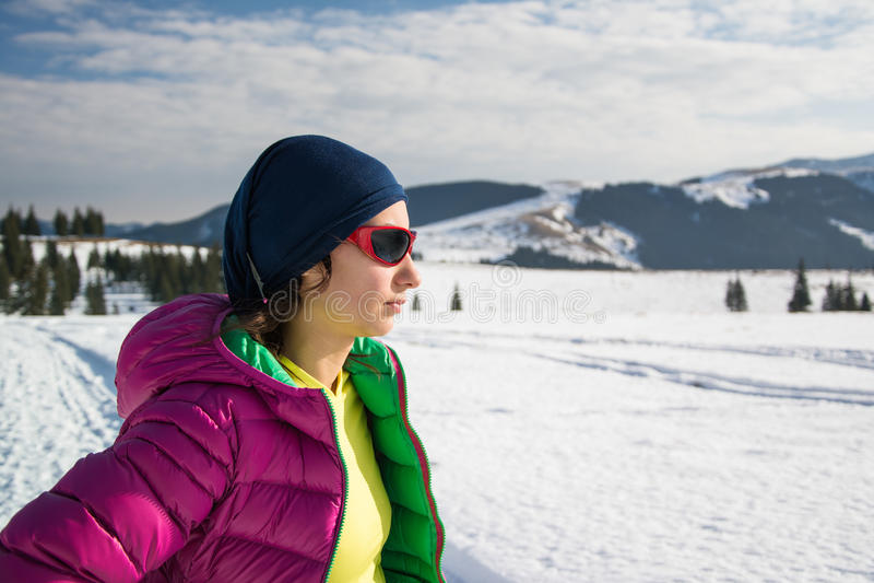 Portret młody trekker w zimie zdjęcia stock