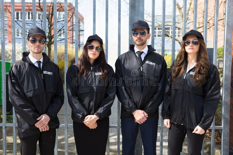 Portret Młodzi pracownicy ochrony zdjęcie stock
