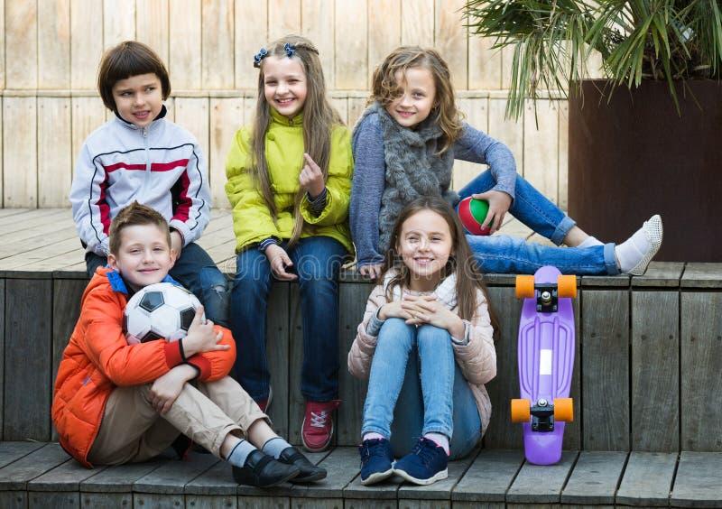 Portret młodzieżowej szkoły dzieciaki zdjęcie stock