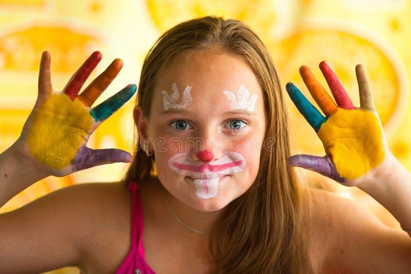 Portret mała dziewczynka - ręka malująca zdjęcie stock