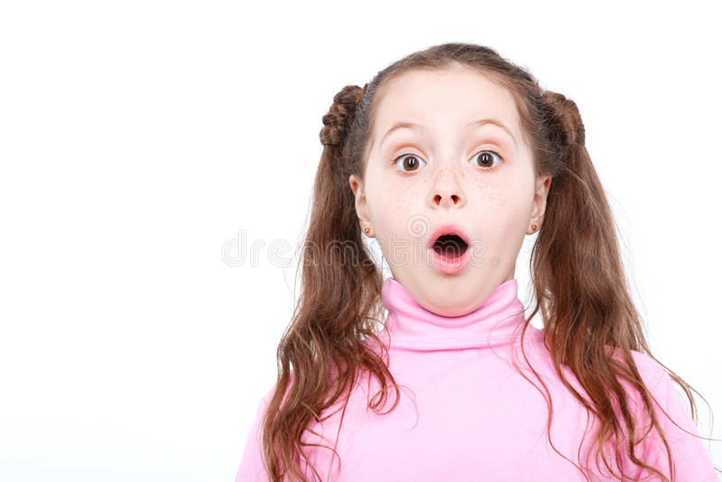 Portret mała emocjonalna dziewczyna zdjęcia stock