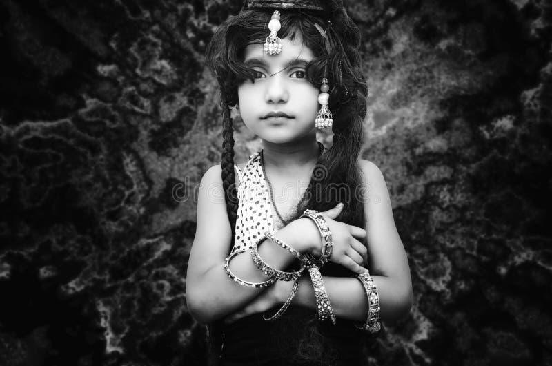 portret mały modny dziewczyny dziecko obraz royalty free