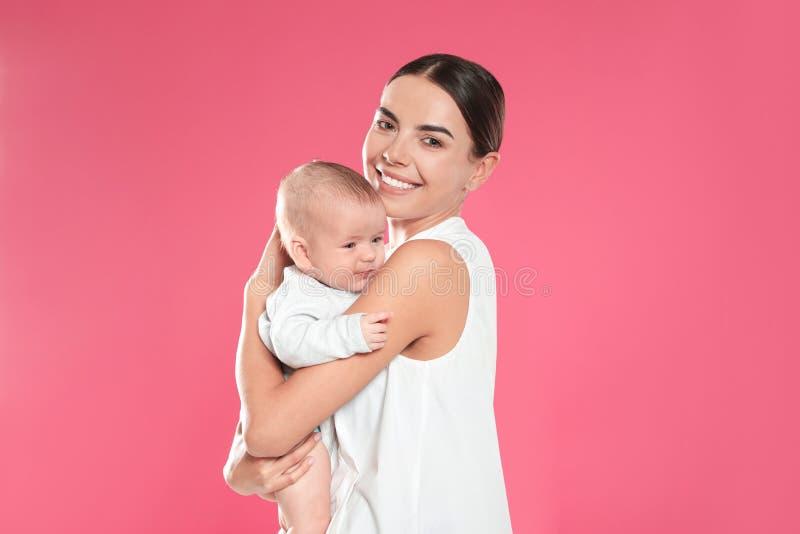 Portret matka z jej dzieckiem fotografia royalty free