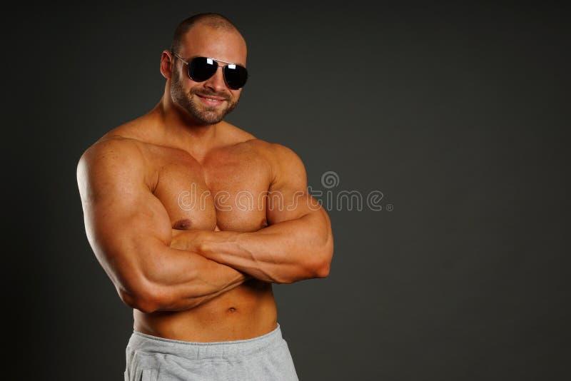 Portret mięśniowy mężczyzna zdjęcia stock
