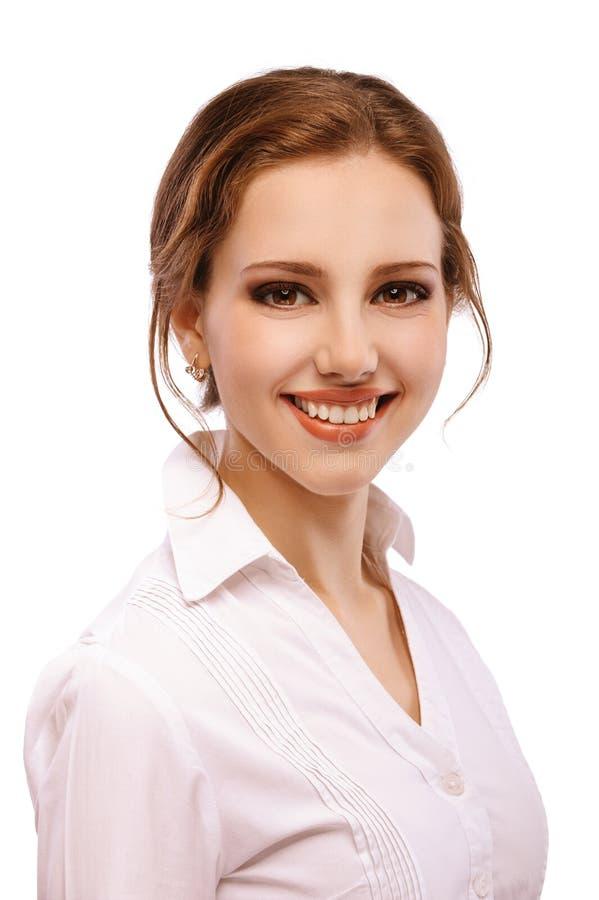 Portret miedzianowłosa dziewczyna w bluzce pozuje na bielu obrazy royalty free