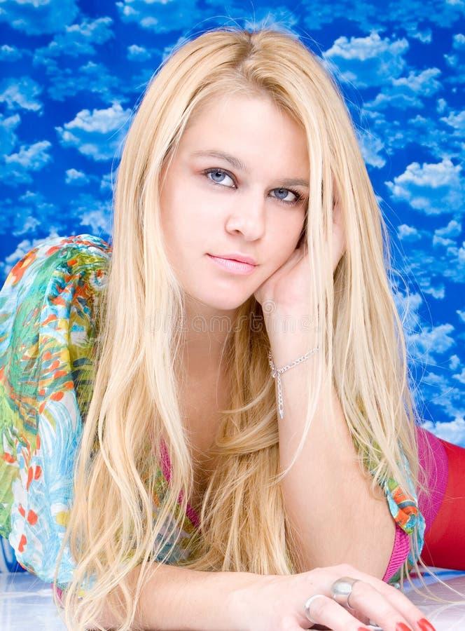 Portret mody piękna blondy kobieta zdjęcia royalty free