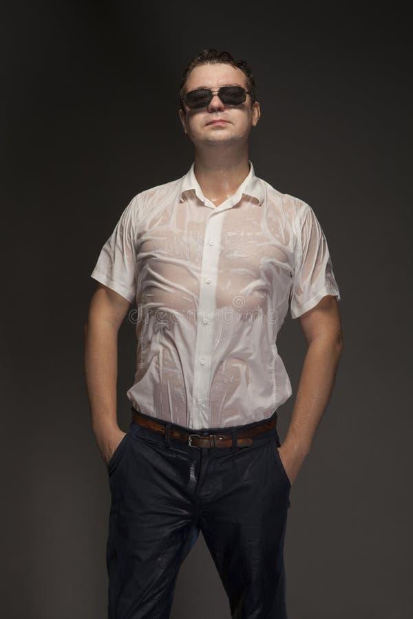 Portret mokry młody człowiek fotografia royalty free