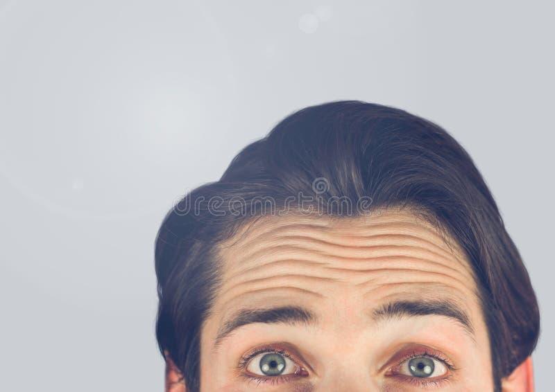 Portret Obsługiwałem wierzchołek głowa z popielatym tłem zdjęcie royalty free