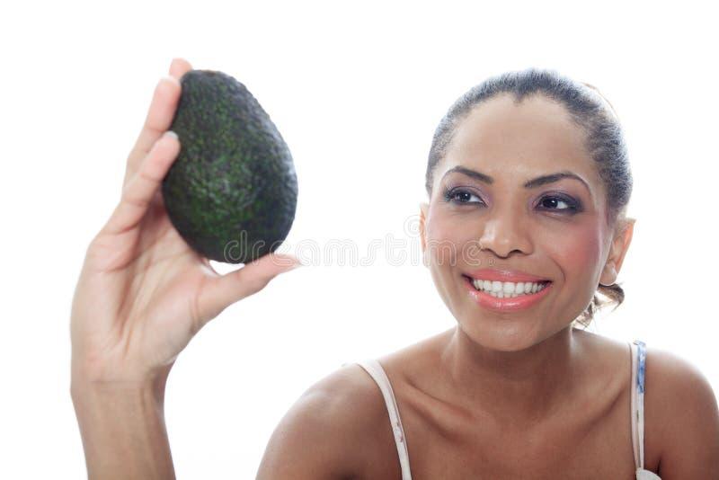 Portret oliwkowa uśmiechnięta kobieta odizolowywająca dalej fotografia stock
