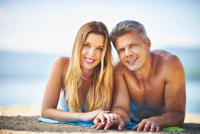 Portret op het strand royalty-vrije stock fotografie