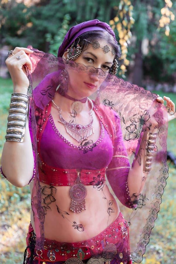 Portret orientalny tancerz zdjęcie royalty free