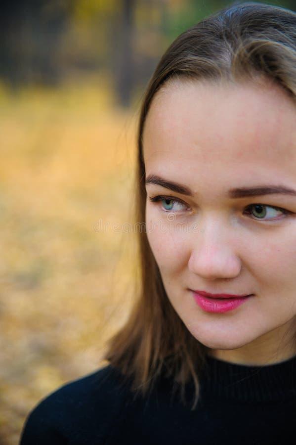 Portret piękna dziewczyna z różnymi oczami obrazy stock
