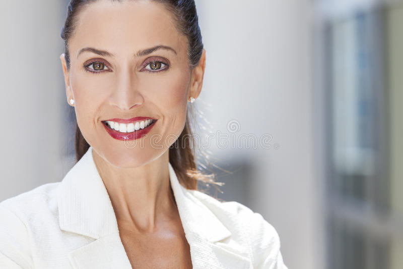 Portret Piękna kobieta lub bizneswoman fotografia stock