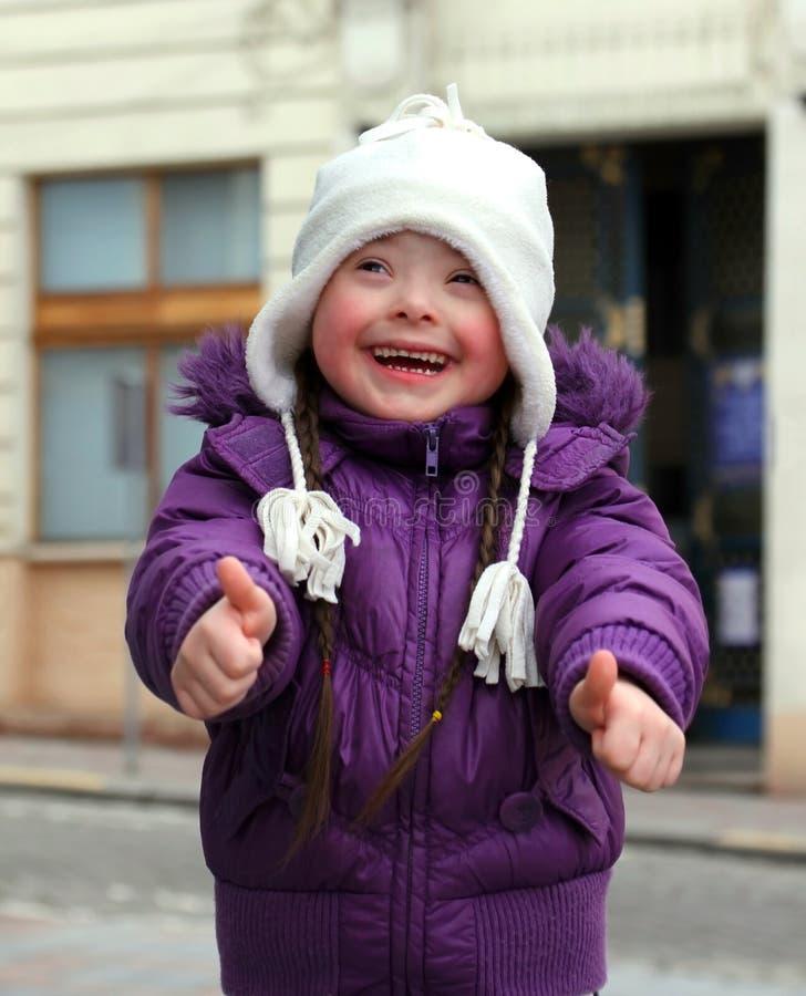 Portret piękna szczęśliwa dziewczyna. zdjęcie stock